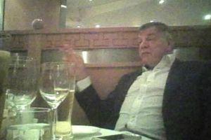 ¡Escándalo! Renuncia DT de Inglaterra, tras ser captado en actos de corrupción