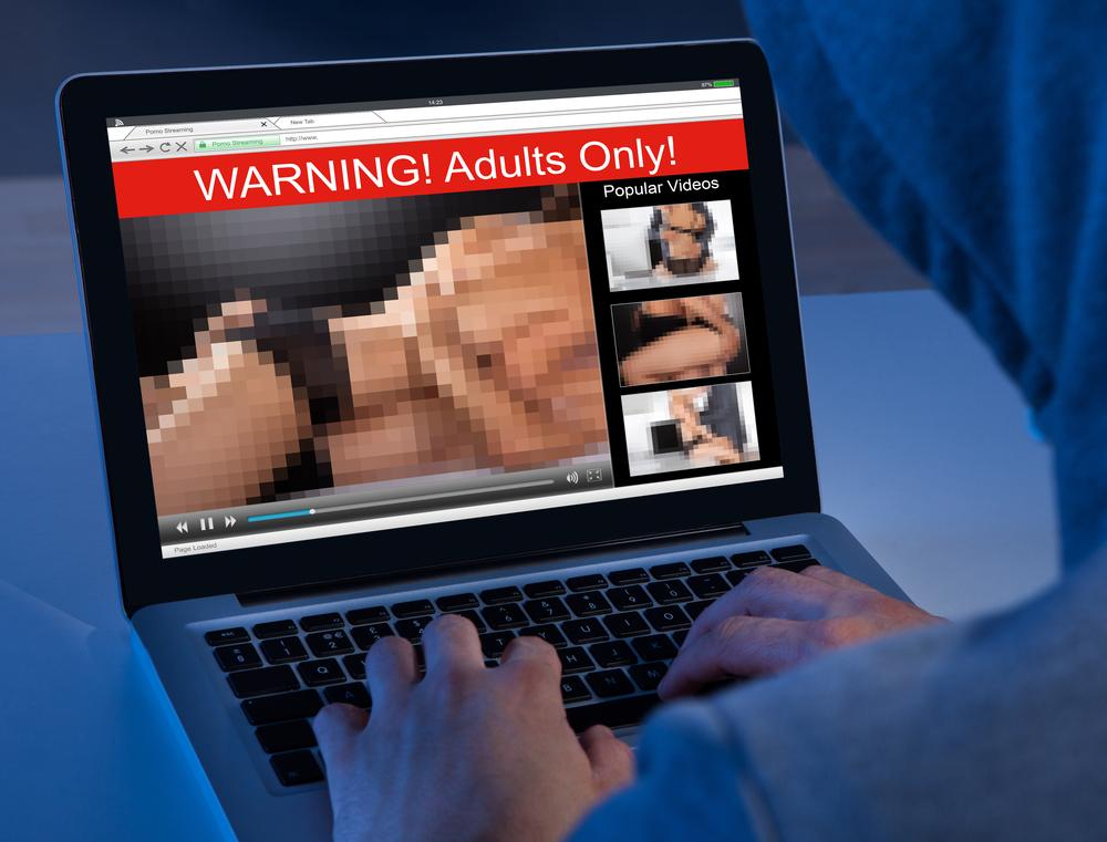 Ver pornografía, camino directo al divorcio