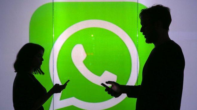 El truco para que nadie más escuche los mensajes de voz que recibes por Whatsapp