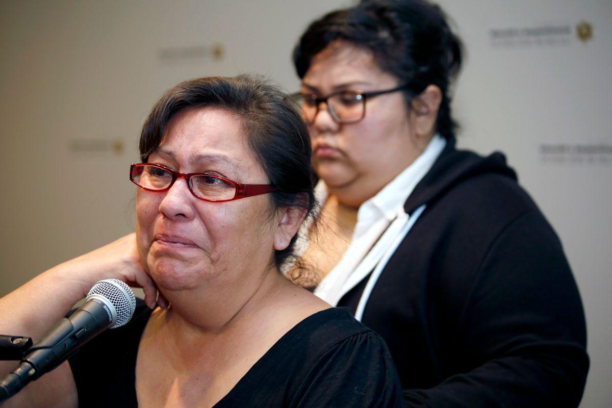Su madre Mary Smay y su prometida Juliana Sasaki tienen el corazón roto por la muerte de Juan Vidal (Foto: Aurelia Ventura/ La Opinión)