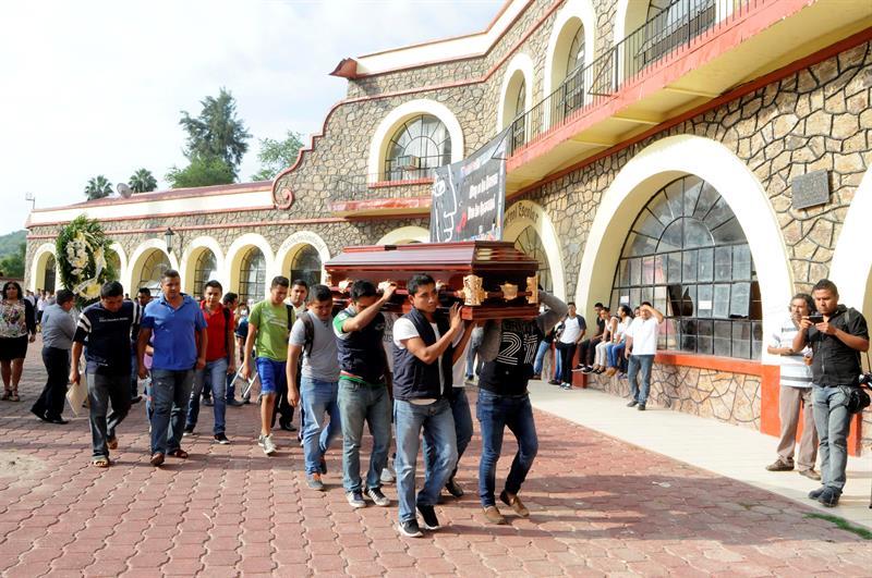 Detienen a presuntos homicidas de dos normalistas de Ayotzinapa