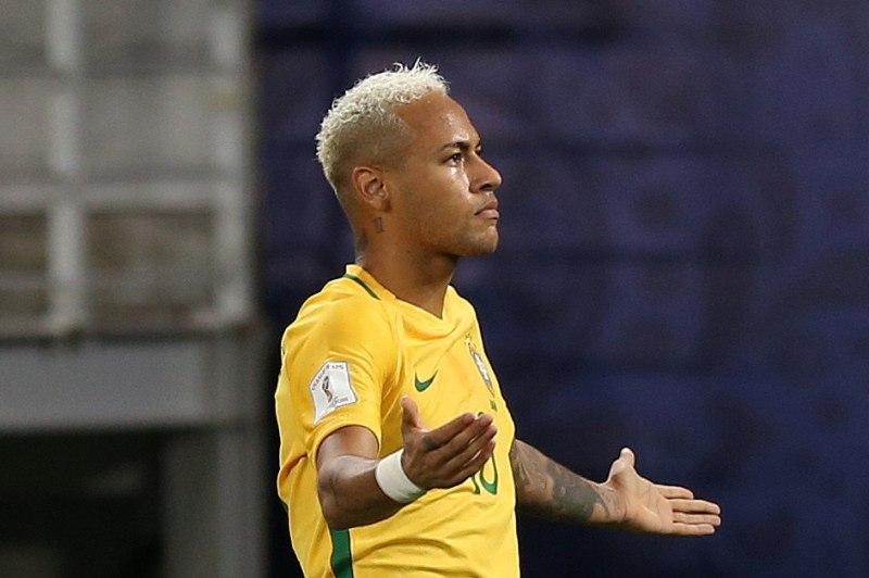 Neymar juega suelto con Tite. Ya no son 10 y él. Ahora son un equipo.
