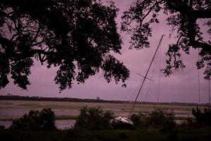 Fuertes vientos y lluvia en Carolina del Sur por paso de Matthew