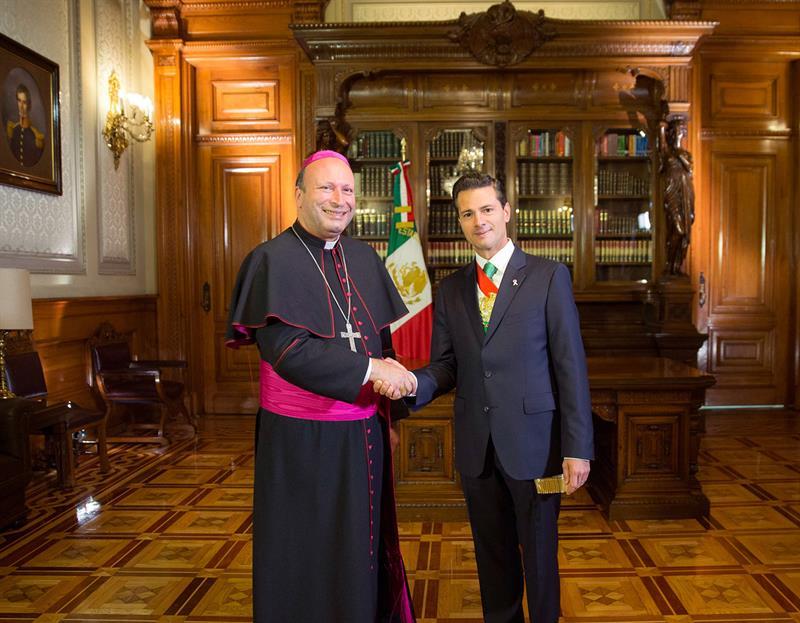 Franco Coppola y Enrique Peña Nieto.