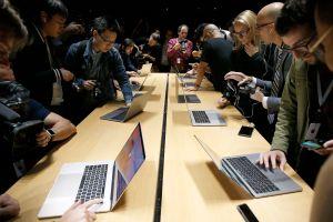 Apple presenta la nueva MacBook Pro con barra táctil y lector de huellas