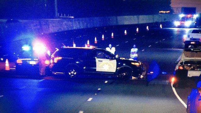 Un cuerpo fue encontrado en medio de la autopista 710.