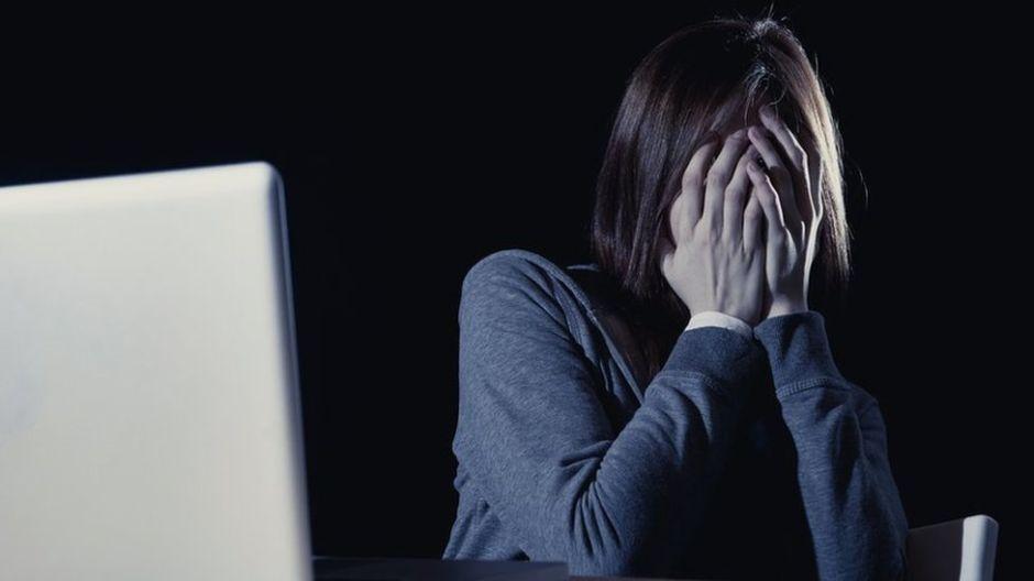 Los riesgos que corren las mujeres al divulgarse su intimidad por Internet
