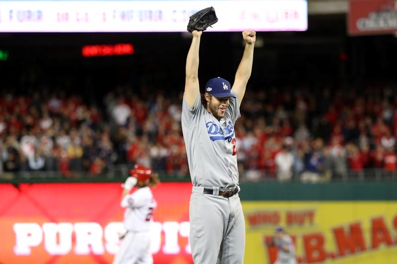 Kershaw salva a los Dodgers, que avanzan con drama a la Serie de Campeonato contra Cubs