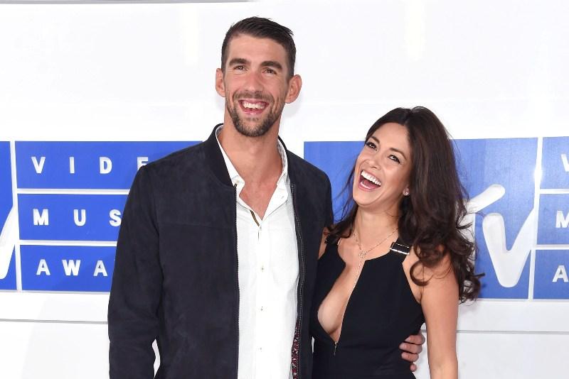 ¡Nadó 'de muertito'!: Michael Phelps se casó en secreto