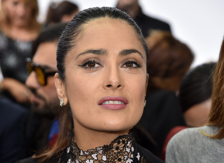 Salma Hayek cada día más sexy y más fashion