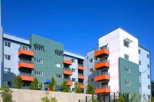LAUSD construye apartamentos asequibles para sus maestros... en los que no tienen derecho a vivir