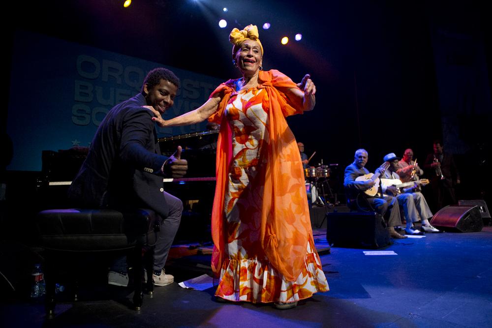 Omara Portuondo: Embajadora de la cultura cubana