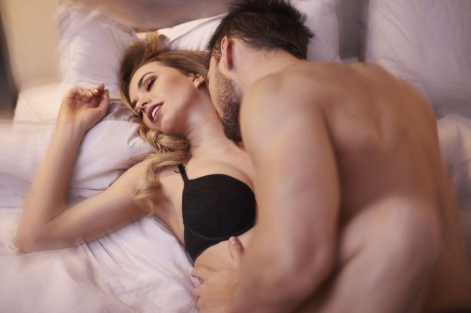 sexo de mujeres con hombres