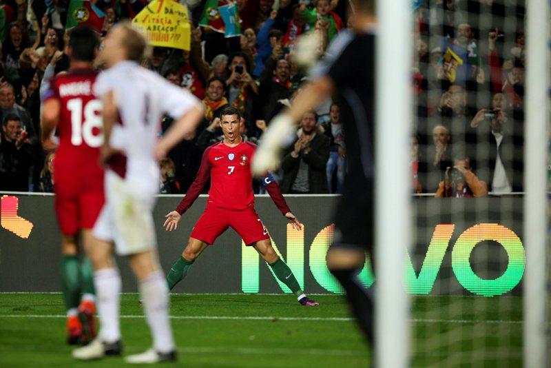 Video: Doblete de Cristiano lo coloca como cuarto máximo goleador europeo con su selección
