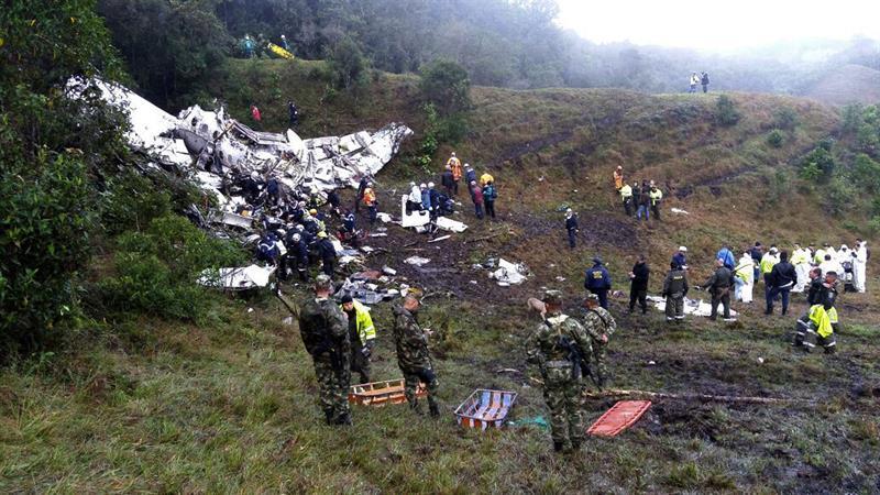 El accidente aéreo, donde viajaba el equipo del Chapecoense, dejó 71 muertos.