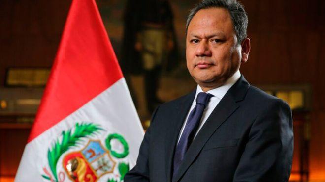 El ministro de Defensa de Perú, Mariano González, renunció a su cargo luego de que se conociera que le dio un ascenso a su pareja en su cartera.
