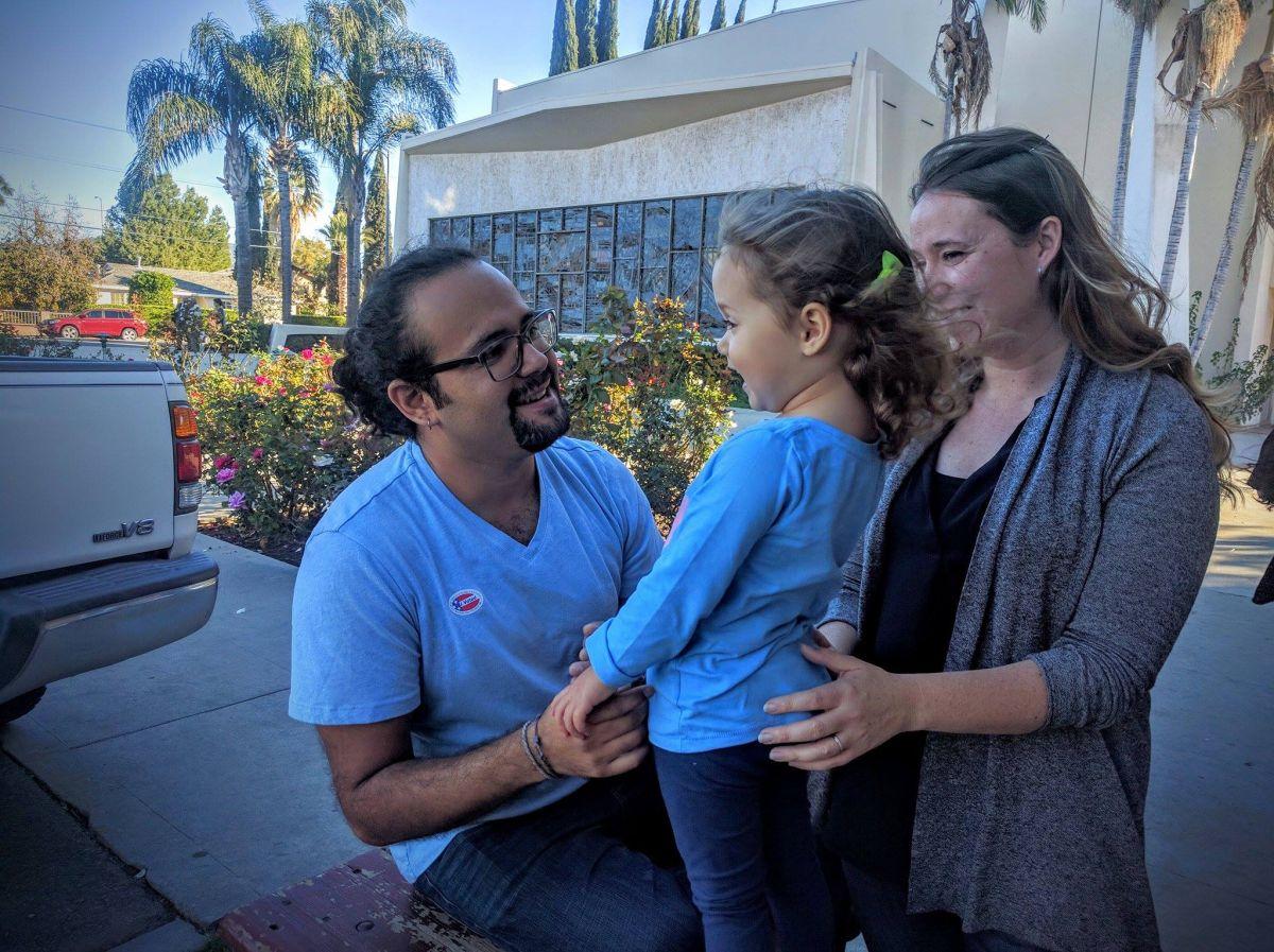 Latino que vivió 12 años como indocumentado votó por primera vez