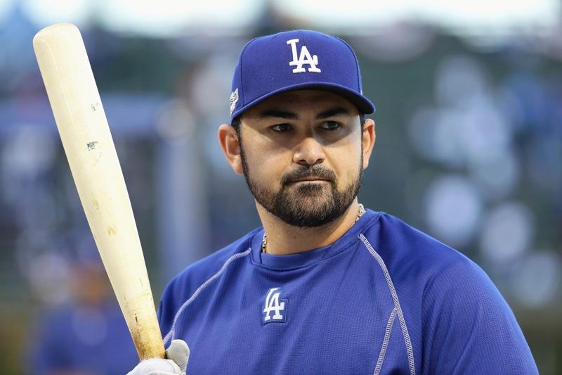 Adrián González va con los Chicago Cubs.