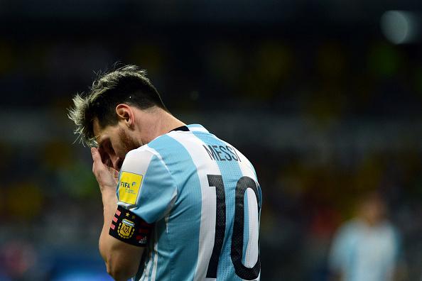Messi vomitó durante el vuelo a San Juan porque sufrió de mareo.