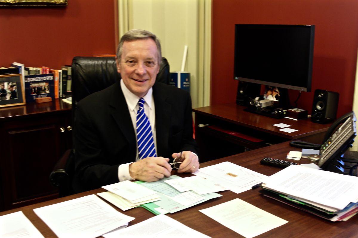 """Durbin prepara medida para proteger a """"Dreamers"""" bajo el DACA de 2012"""
