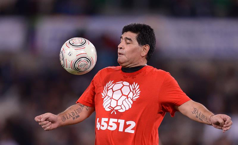 """Maradona jugó en Marruecos, se reencontró con Caniggia y trató de """"mentirosos"""" a los medios locales"""