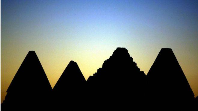 Esta necrópolis alberga a los gobernantes de lo que fue un reino pujante.
