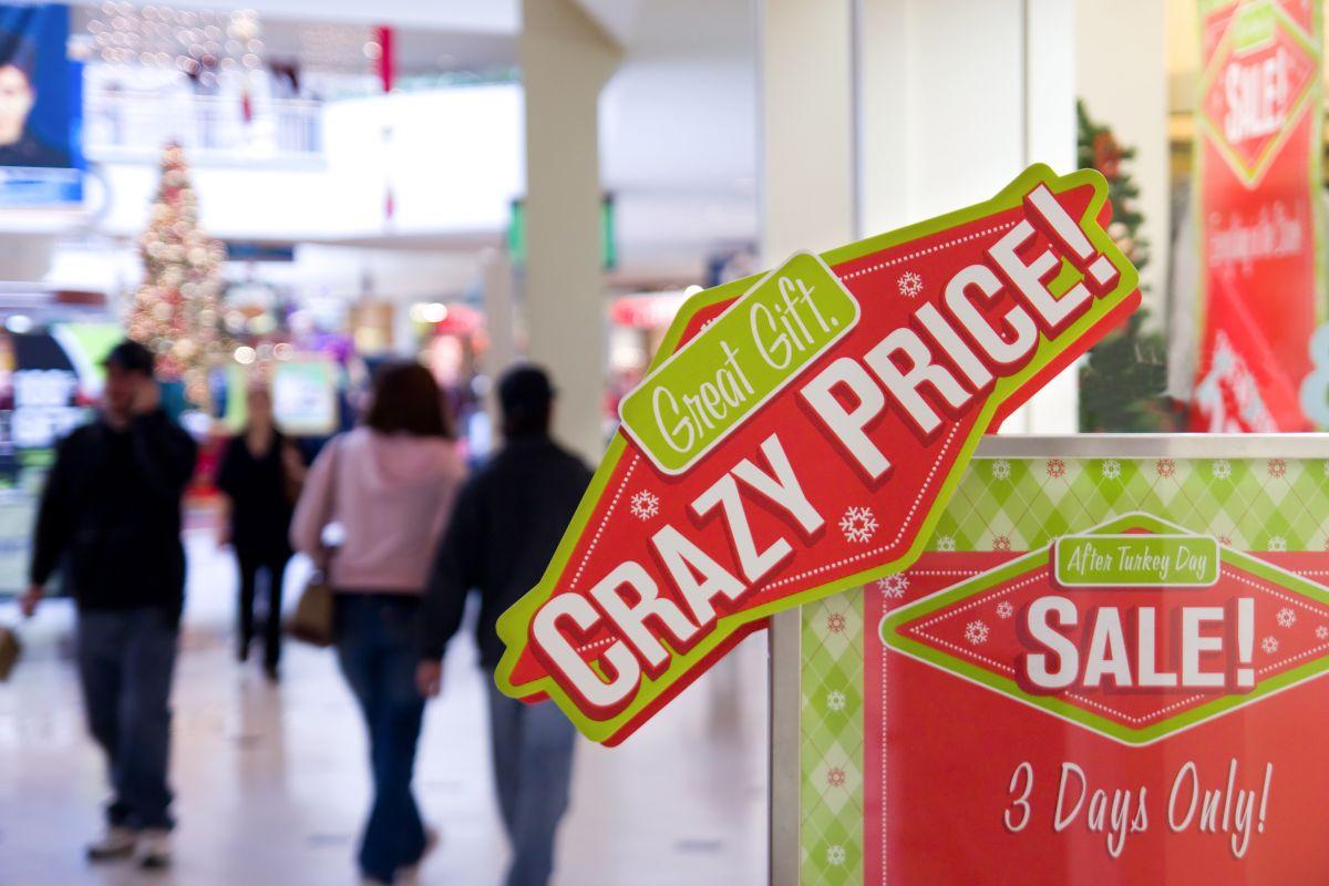 Las compañías anunciaban como rebajados productos que jamás habían sido vendidos al supuesto precio original, y así hacían creer al cliente que se llevaba una ganga.