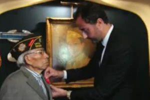 Francia otorga la Legión de Honor a veterano mexicoamericano