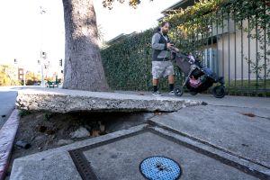¿Cómo hacer que el ayuntamiento repare tu acera cuanto antes?