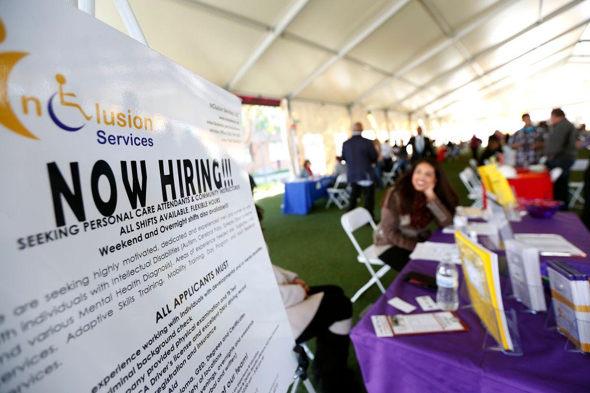 ¿Estás buscando empleo? Hay dos ferias de empleo en Los Ángeles esta semana