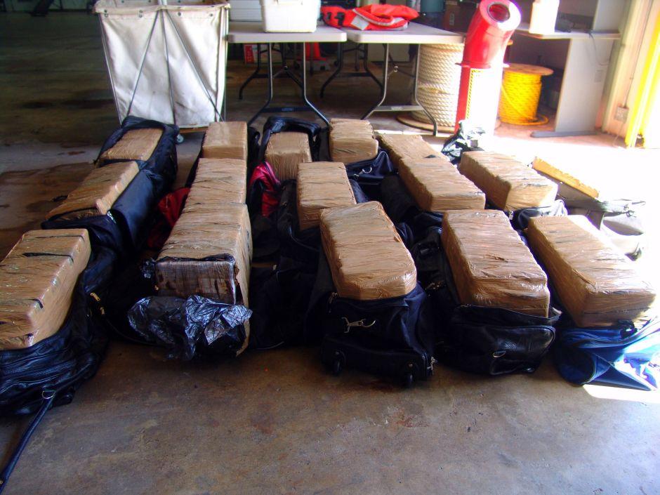Autoridades de Puerto Rico ocupan millonario alijo de cocaína