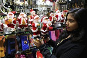 Mexicanos, compulsivos en las compras navideñas