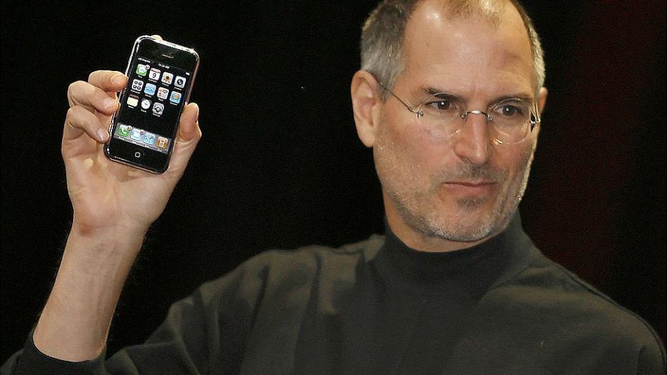 El tío de Steve Jobs sin el que el iPhone no sería un teléfono tan inteligente
