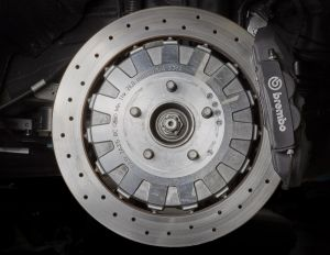 ¿Qué diferencias hay entre los frenos de disco y los frenos de tambor?