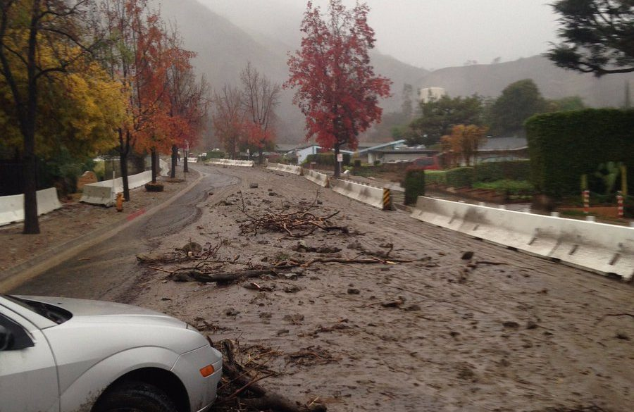 Lluvias provocan deslizamientos de tierra en Duarte y Santa Clarita