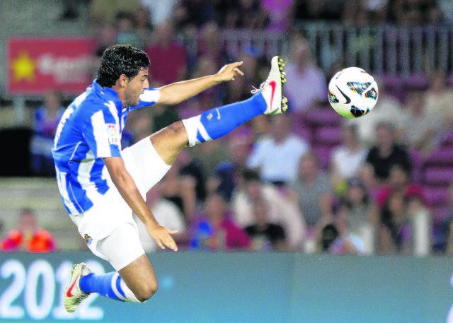 La Real Sociedad vendería caro a Carlos Vela