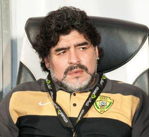 Detalles sobre el nuevo Camaro que Maradona conduce en Sinaloa
