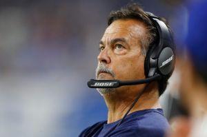 Entrenador está por empatar récord de derrotas en la NFL... y los Rams lo premian con nuevo contrato