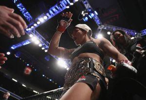 Amanda Nunes no peleará en UFC 213 por enfermedad