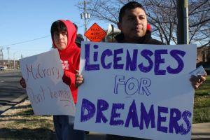 Estados Unidos recibe miles de millones anuales en impuestos de inmigrantes indocumentados