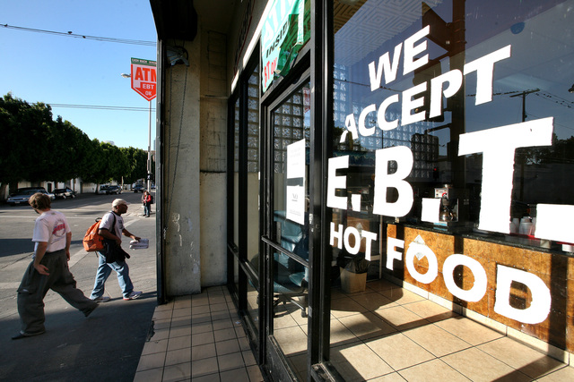 Los desamparados de O.C. podrían usar sus Cupones de Alimentos para comprar comida caliente