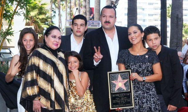 A Pepe Aguilar le vale que sus hijos se peleen por su herencia