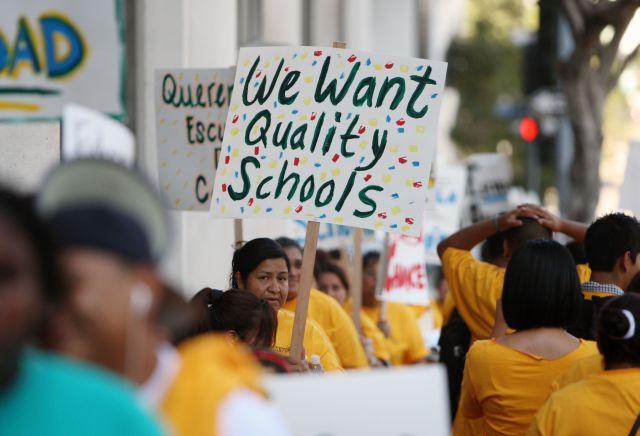 50 de las escuelas más necesitadas del LAUSD se repartirán $150 millones