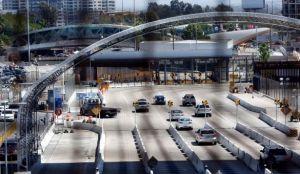 Acusan a estadounidense tras hallar tres migrantes muertos en la cajuela de su carro en San Diego