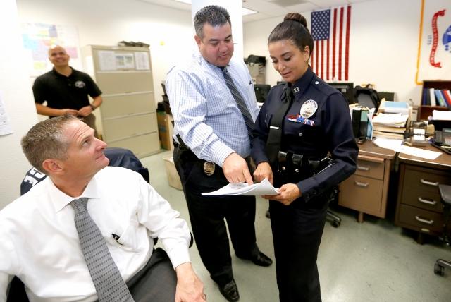 La Capt. Lillian Carranza es vista junto a otros agentes y detetives del LAPD. (Aurelia Ventura)