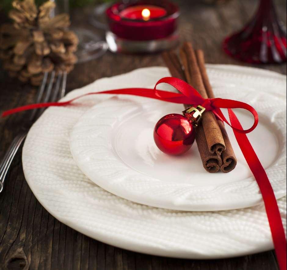 Las astillas de canela sirven también para decorar los platos.
