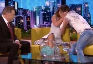 Carolina Miranda y Michel Duval sí son novios: Lo confirman con un beso