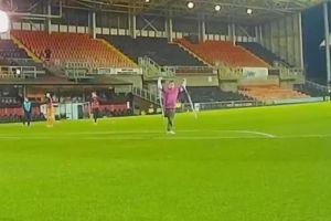 Video: Tiene una sola pierna, pero hizo una 'vaselina' que le valió el premio al Mejor gol del mes en Escocia