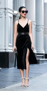 Los trajes al estilo 'wrap dress' son los mejores aliados para crear un look festivo.