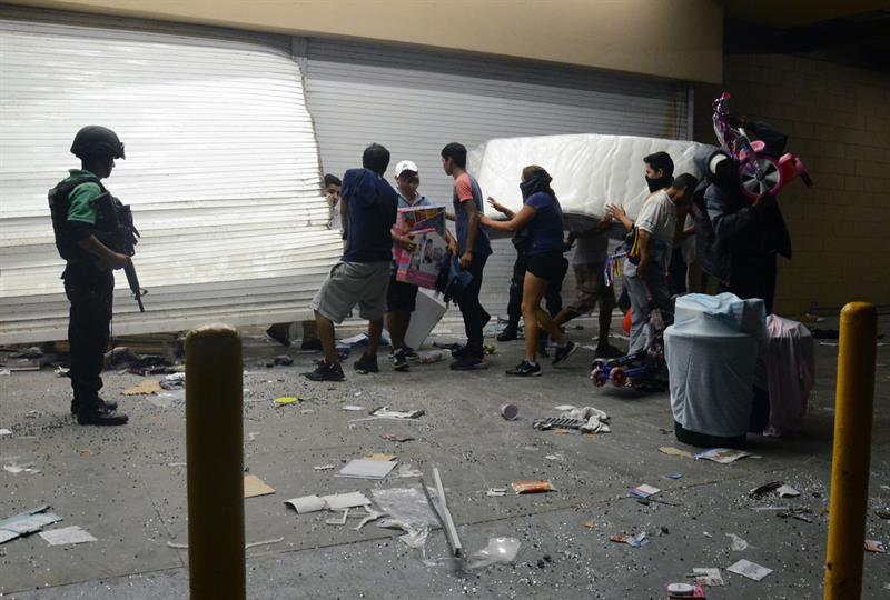 Los recientes casos de saqueo en México son producto de vivir en un país donde no pasa nada.